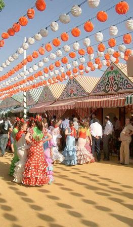 Feria Abril en Andalucia, traje tipico