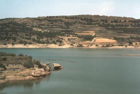 Embalse de La Tranquera en el río Piedra, afluente del Jalon, a su vez del Ebro