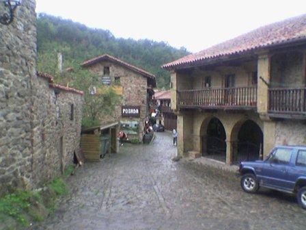 Barcena Mayor, arquitectura rural montañesa