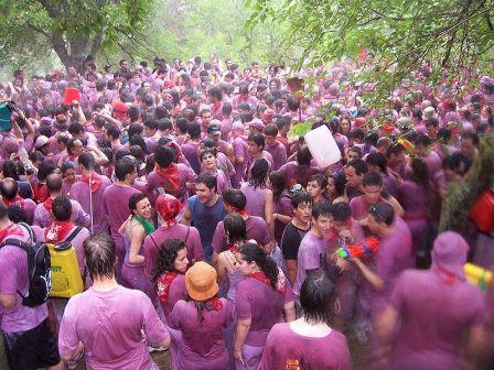 Batalla del vino, Se celebra en los Riscos de Bilibio, junto a la Ermita de San Felices de Haro