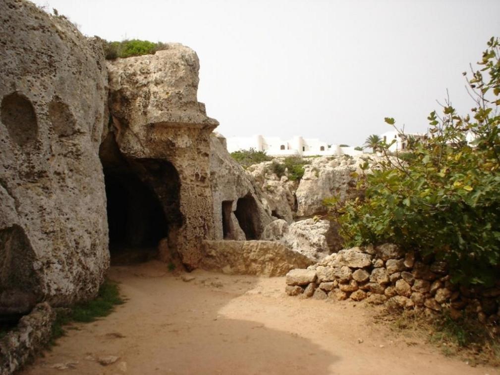 Menorca cuevas cala morell