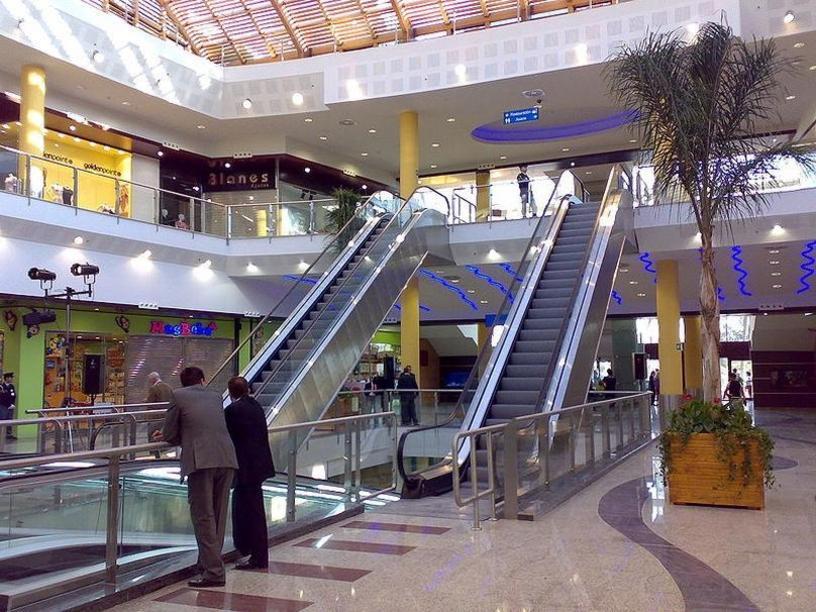 Águilas Plaza - Escaleras mecánicas de la entrada, Murcia