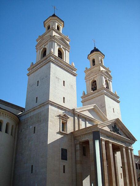 Vista de la Basilica y Santuario de San Pascual en Villareal, La plana Baja