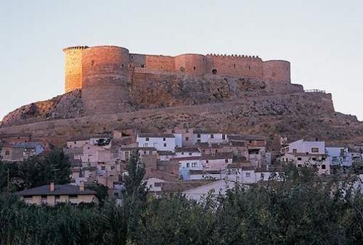 Mesones de Isuela vista del castillo