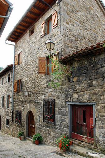 Frente de Casa Lasaosa, Roncal, Navarra España