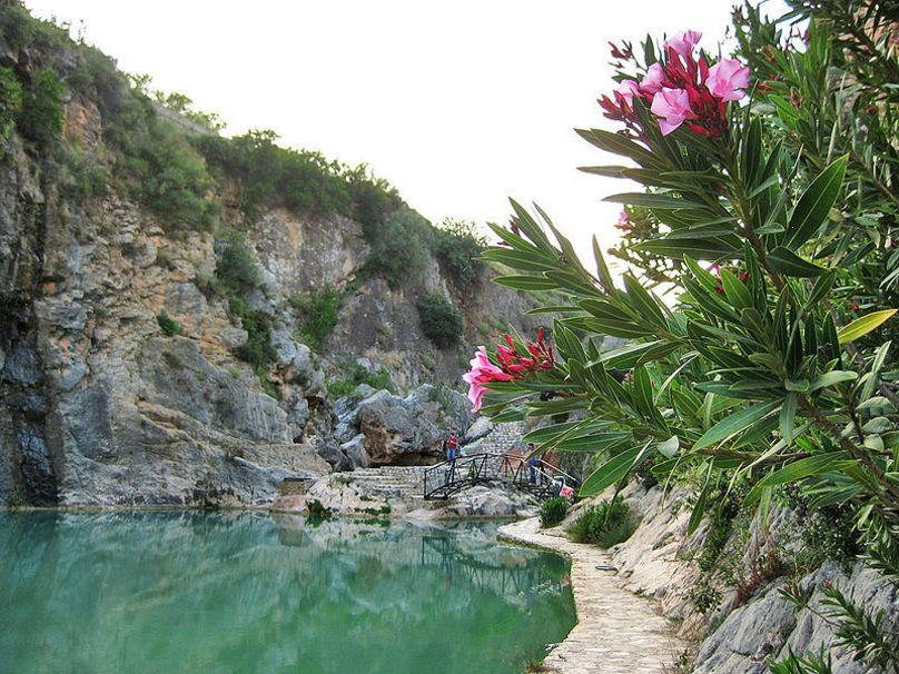 Estanque producido por el paso del río Sellent cerca de Bolbaite