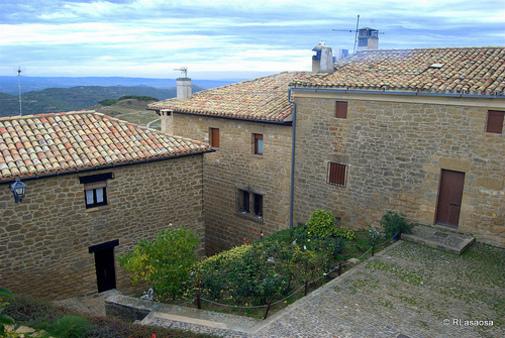 Casas en Ujué, Navarra, España
