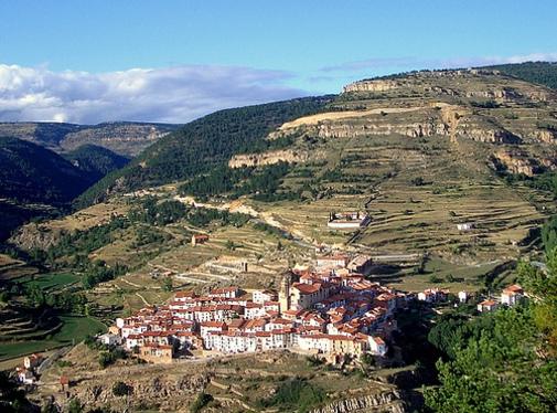 Linares de Mora (Teruel) -vista general-