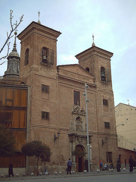 Iglesia de San Martín de Tours, en el nº 26 de la Calle del Desengaño de Madrid (España).