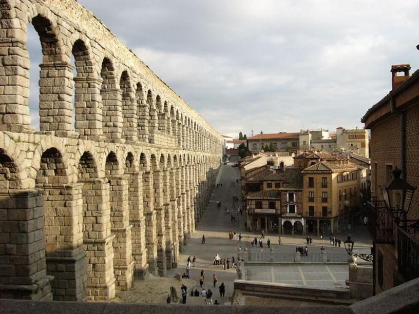 Segovia Vista del Acueducto y de la plaza del Azoguejo