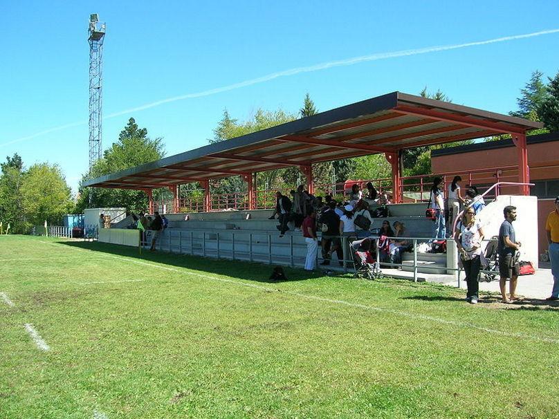 Grada principal del Campo de rugby de Las Terrazas.