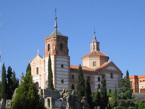 Ermita de Nuestra Señora de los Ángeles, situada en la parte más alta del cerro.