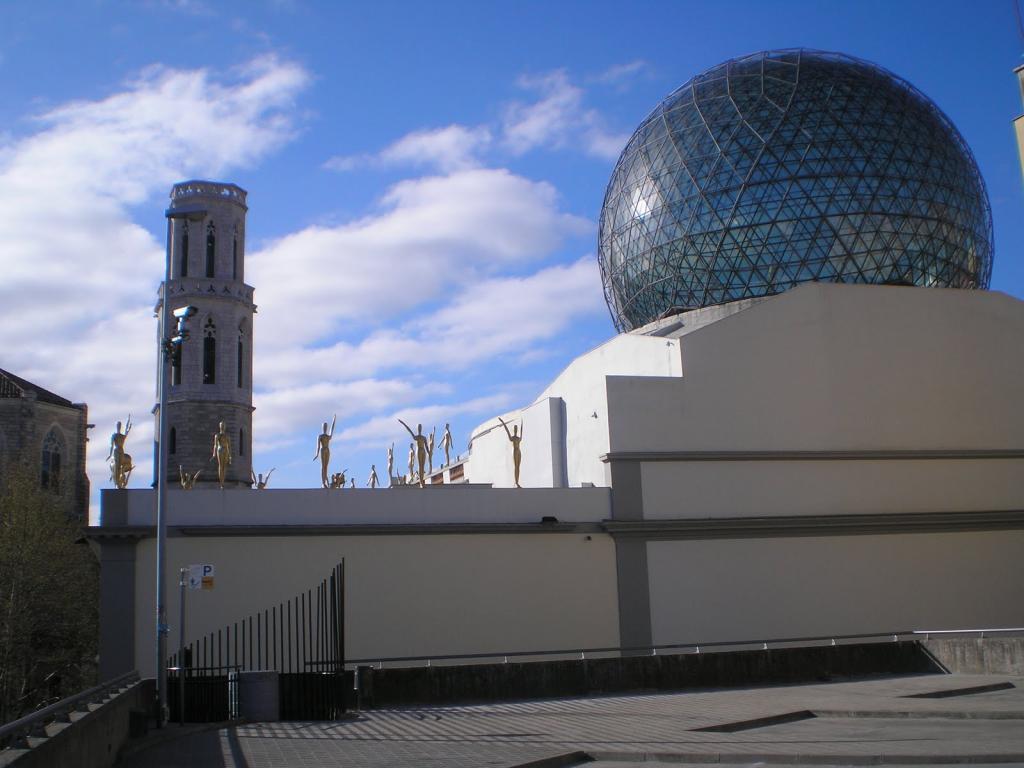 Cupula Geodesica del Teatro-Dali