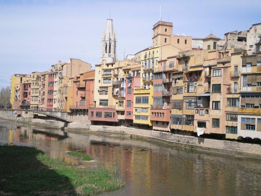Las Casas sobre el Onyar en Girona