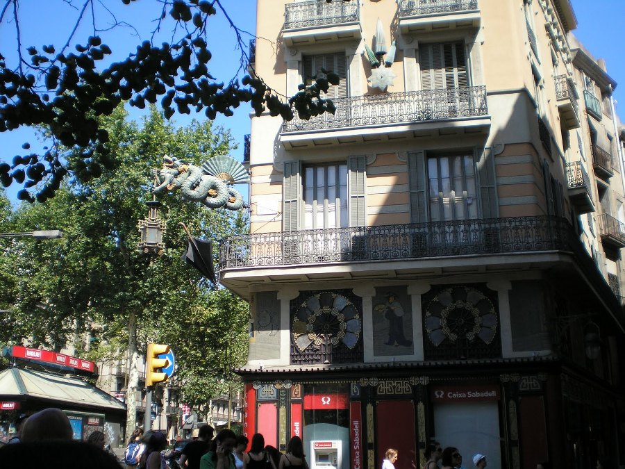 La Casa de Bruno Quadros o Casa de los Paraguas