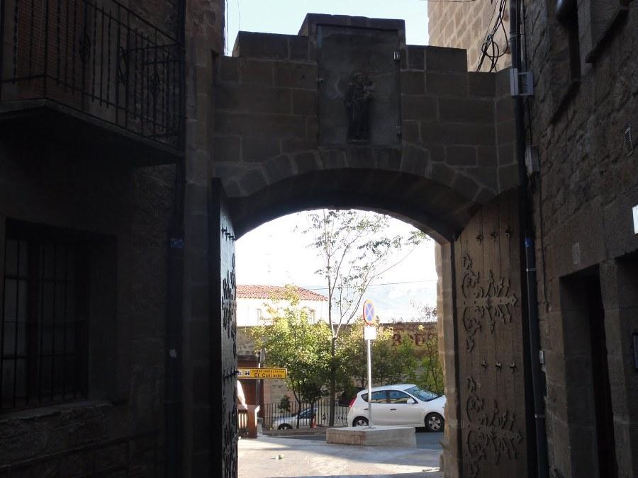 Puerta de Santa Engracia en Laguardia