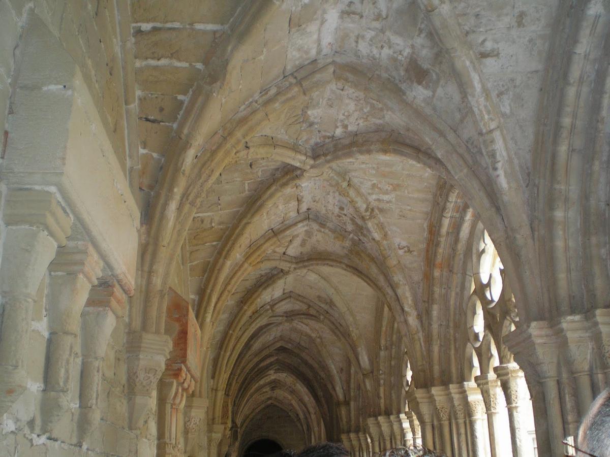 Detalle claustro de Poblet