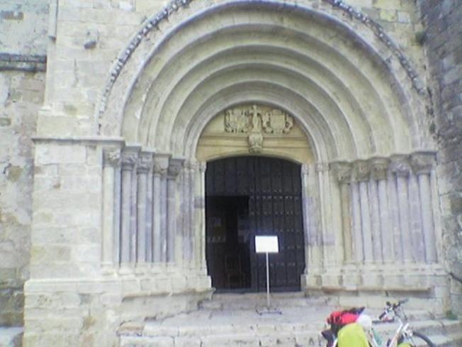 Puerta Principal de Santa María de los Angeles en San Vicente de la Barquera