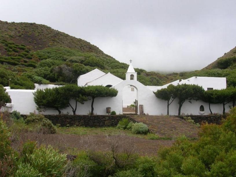 Ermita de la Virgen de los Reyes, patrona de El Hierro.