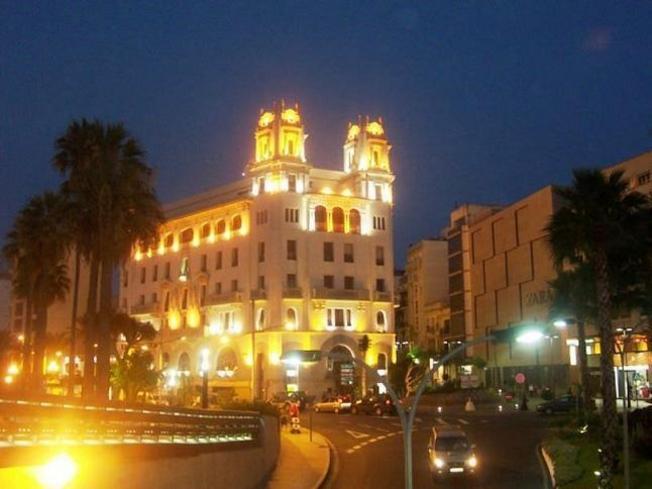 Ceuta de noche