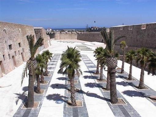 Paseo entre las murallas de Ceuta