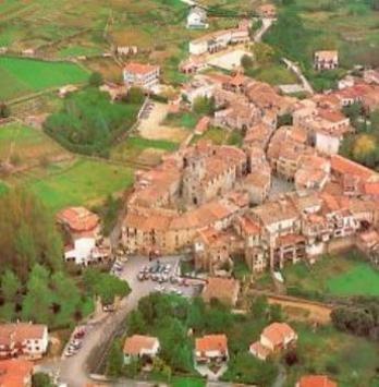 La vila de Maçanet de Cabrenys