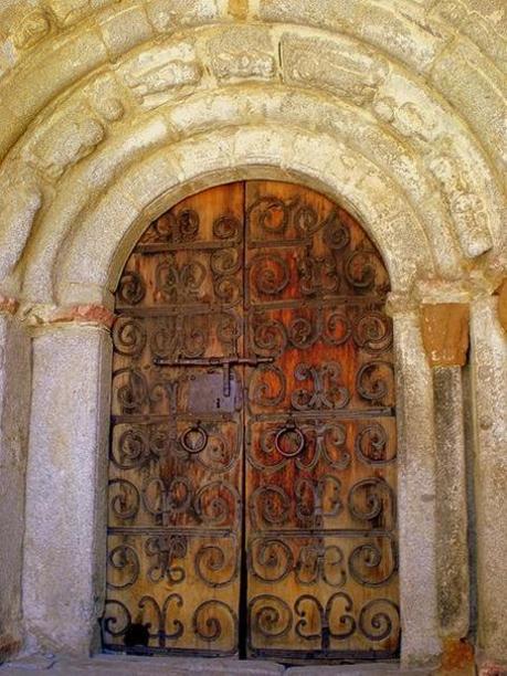 Puerta o portalada de Sant Serni de Meranges