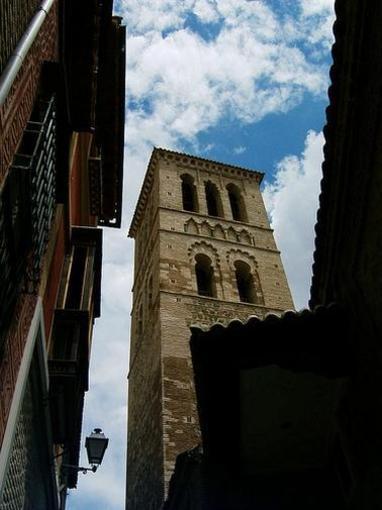 Toledo desde el suelo