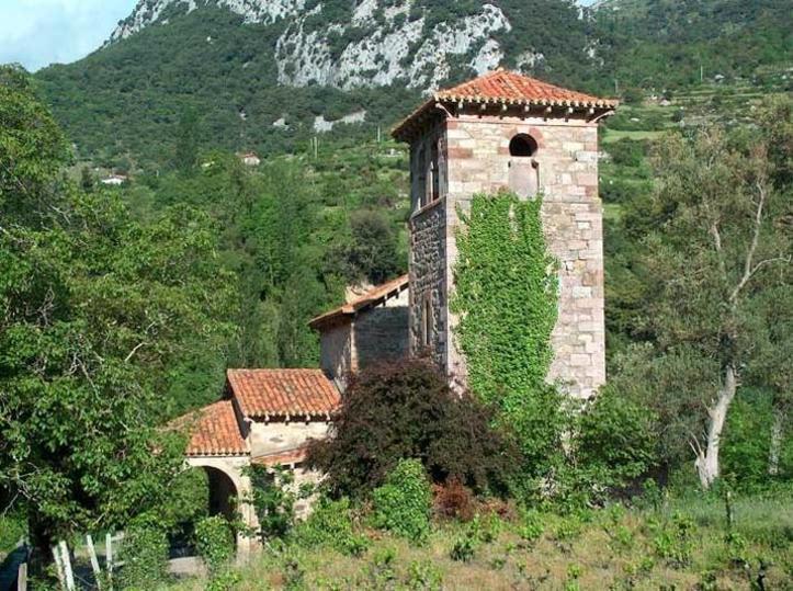 Iglesia de Santa María (Lebeña), Comarca de Liébana, Cantabria