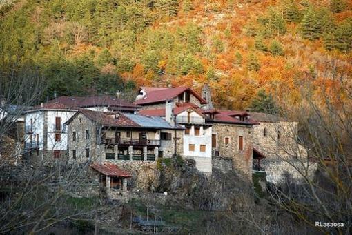 """Vista del llamado """"Barrio del Castillo"""", en el pueblo de Roncal, Navarra."""
