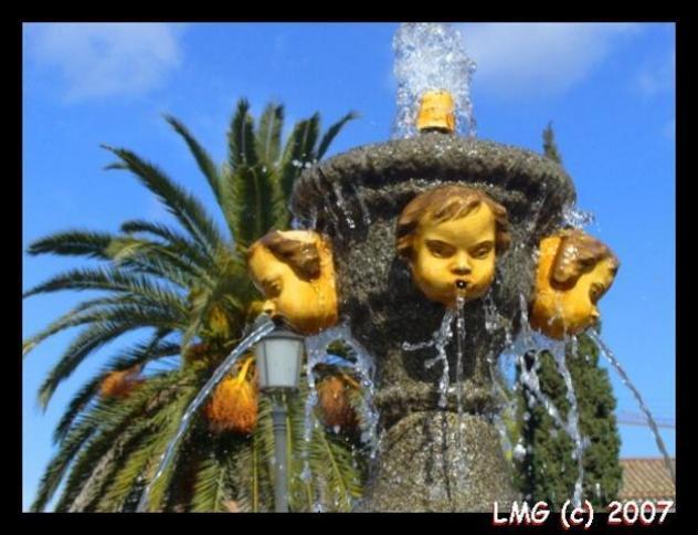 Fuente en la Plaza del Pan de talavera de la Reina