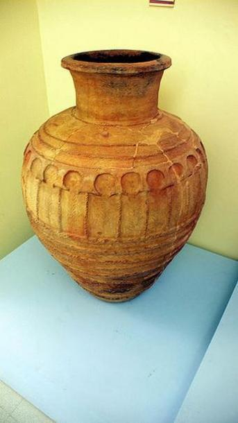 Tinaja arabe, Museo Arqueológico de Lorca Murcia