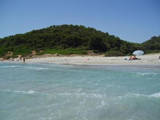 Playa de la costa sur de Menorca, islas Baleares