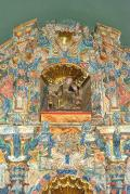Vista del ático del retablo, Iglesia de San Adrián, Olloki, Navarra España